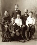 Rosine Bertha Henrietta (Osterman) Hanneman (1870-1918), Frank Herman Albert Hanneman (1895-1947), Arthur James Hanneman (1893-1965), Carl Henry Frank Hanneman (1901-1982), Wilbert George Hanneman (1899-1987) and Carl Frederick Christian (Chas) Hanneman (1866-1932).