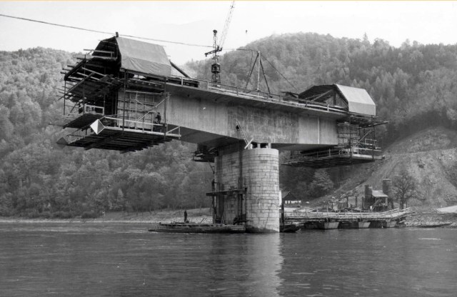 Donaubrücke-Neubau1967-3