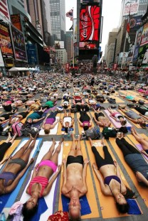 Yoga am Times Square in New York