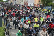 hannovercyclechic Radfahrer auf Suedschnellweg 2