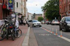 Pömpel und Pedale Eine Platzda!-Aktion für mehr Sicherheit Falschparker