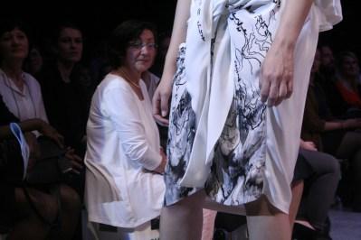 """""""Min Cho"""" auf dem Catwalk beim Modepreis 2015."""