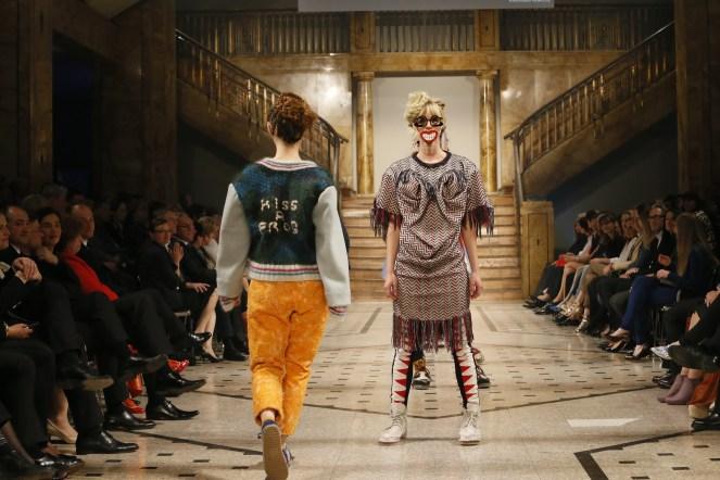 Die detailverliebten Pullover und Strickjacken sind kleine Meisterwerke für sich