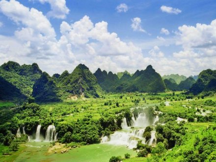 Northeast Vietnam 5 Day Tours