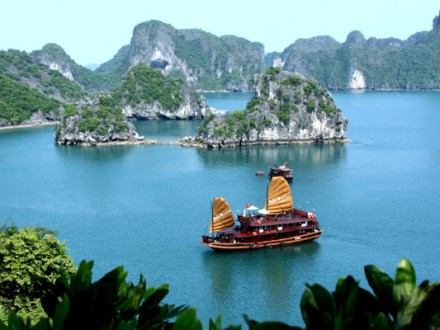 Ha Long Bay Day Tour