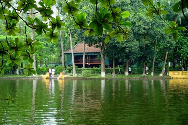 travel hanoi uncle ho house on stilt