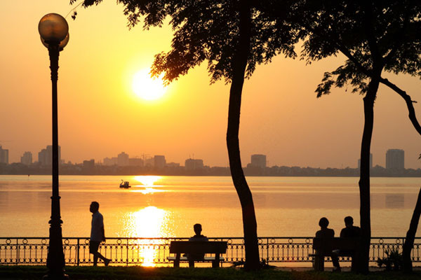 travel hanoi west lake
