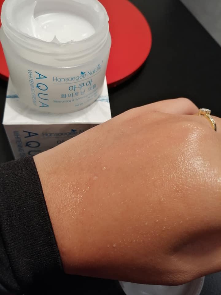 Aku paling suka bila part sapu krim ni dekat kulit muka sebab tiba-tiba akan muncul titisan air atau water drop. Hehe best!