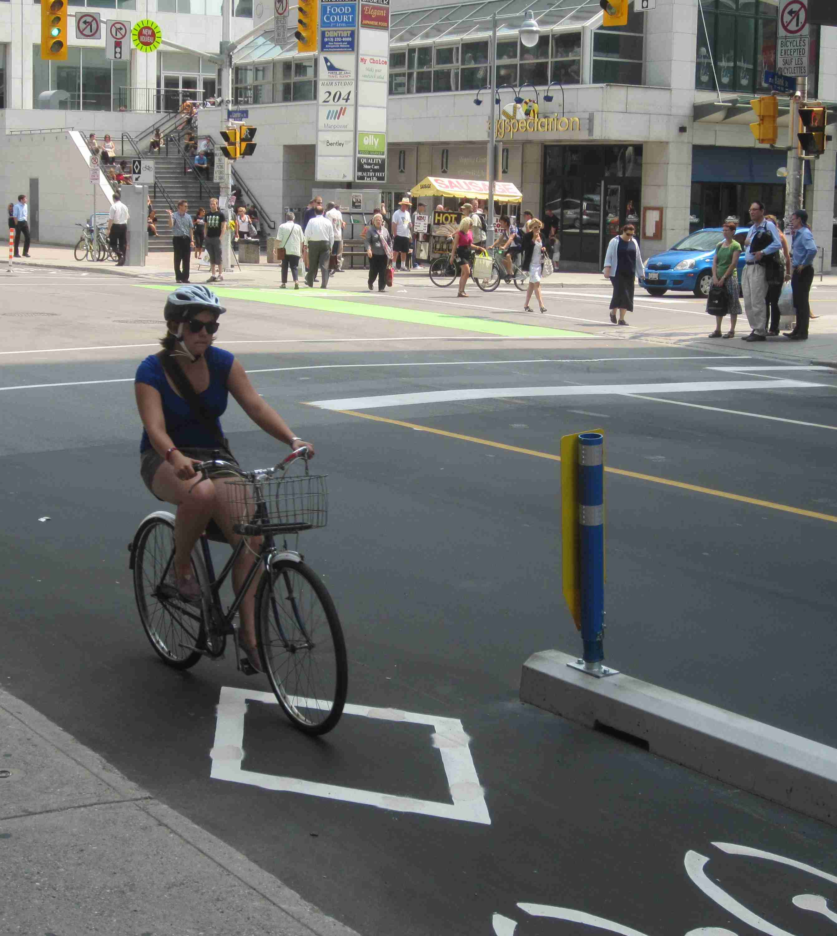 Ottawa Bicycle Culture – square and Eggspectations