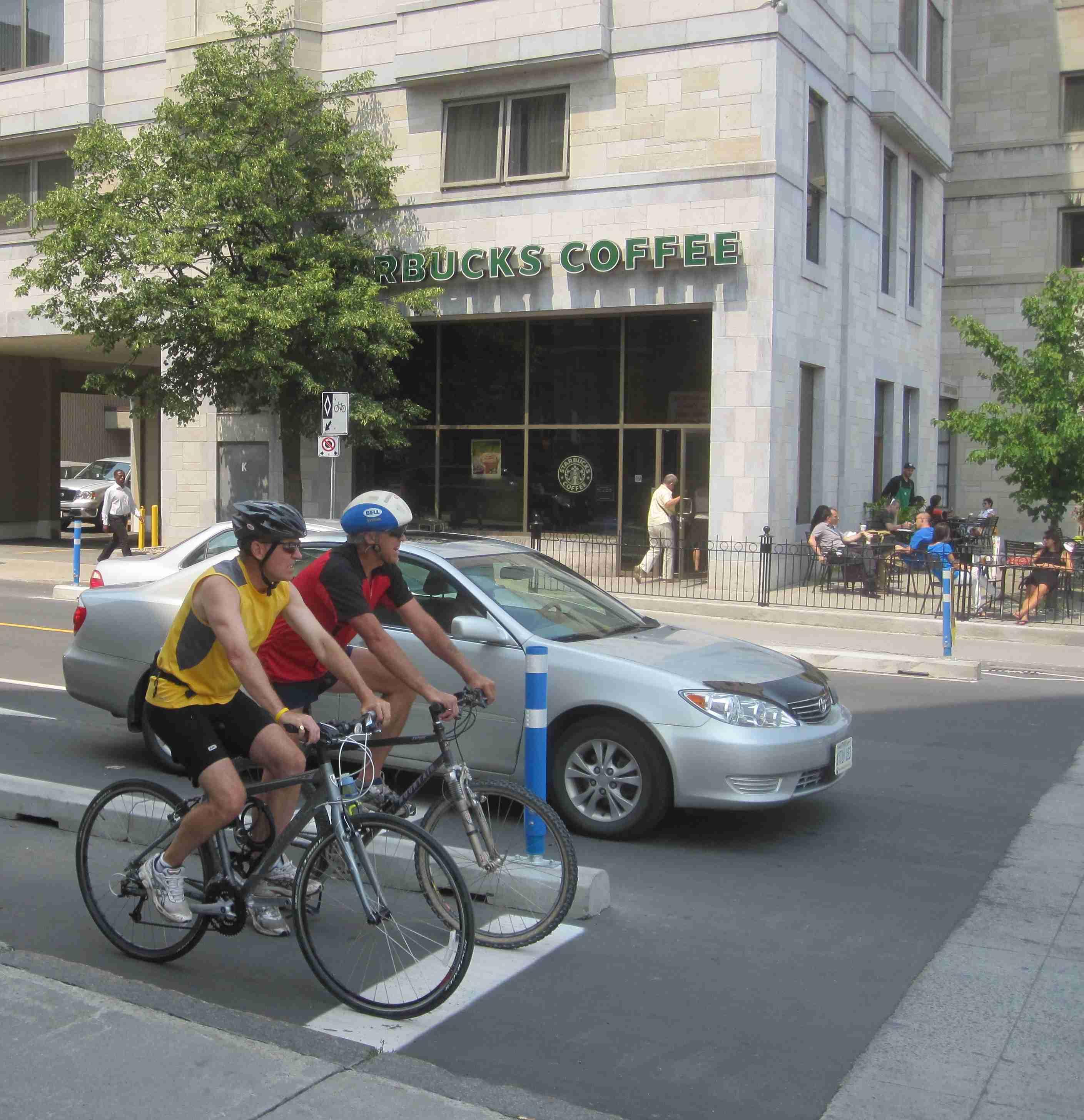 Ottawa Bicycle Culture – Starbucks