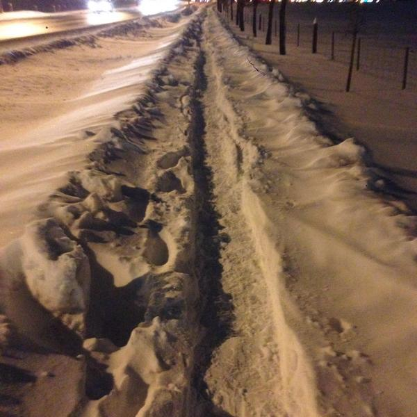 Only the last part of the path was cleared along Fisher, up to the fire hydrant.