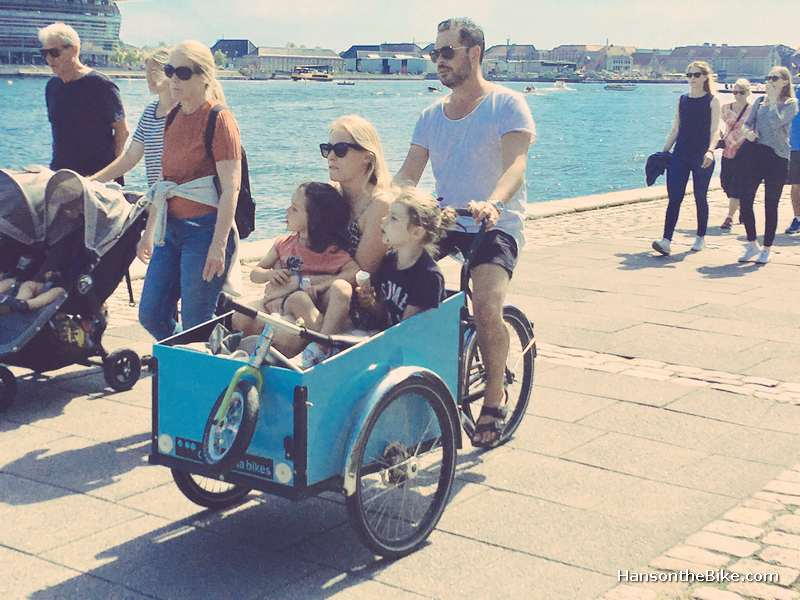 More than once did we see an entire family in a cargo bike.