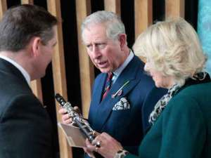HRH the Prince of Wales receives his very special Hanson T series clarinet.