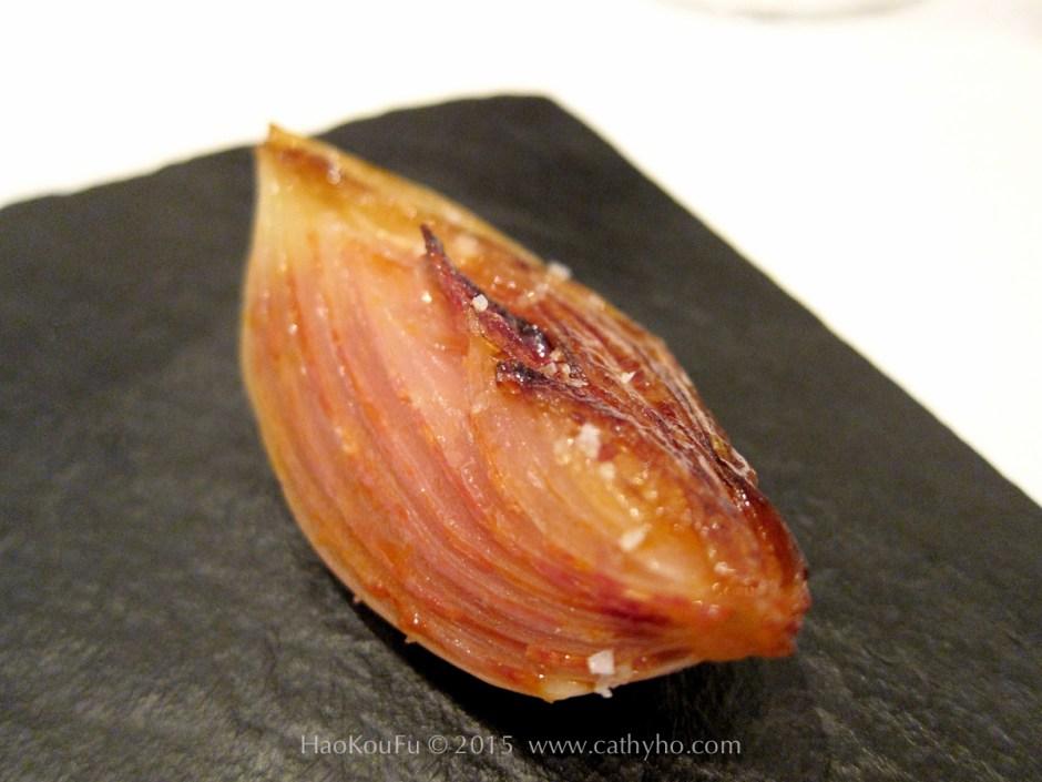 伊比利紅椒味臘腸慢燉洋葱(Oignon doux confit au chorizo ibérique)