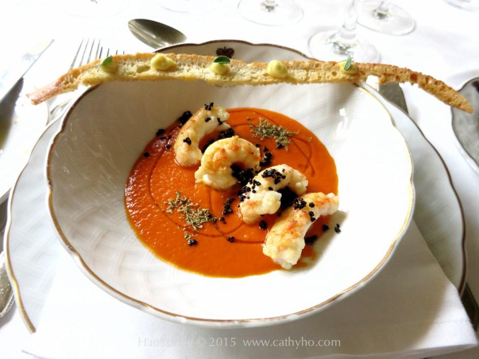 在艾斯特別邸從早到晚享受著令人會再三吮指的美味佳餚