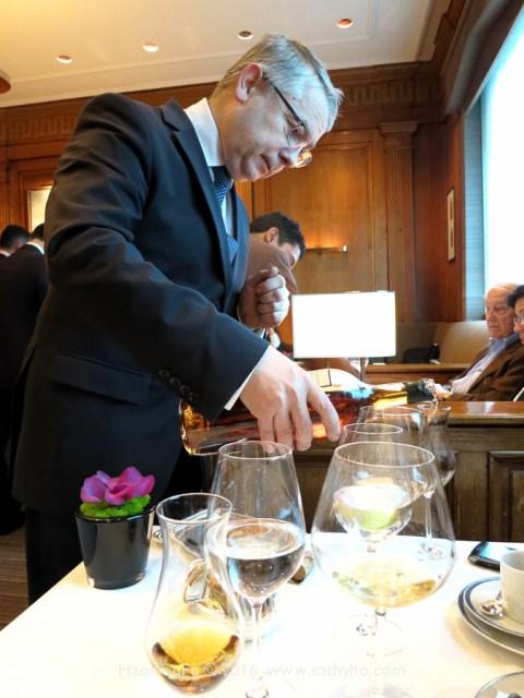 餐廳總監尚-馬希.翁薛(Jean-Marie Ancher)