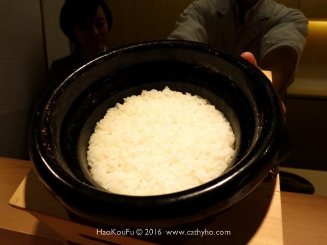 「食事」- 用傳統釜鍋去烹煮的米飯