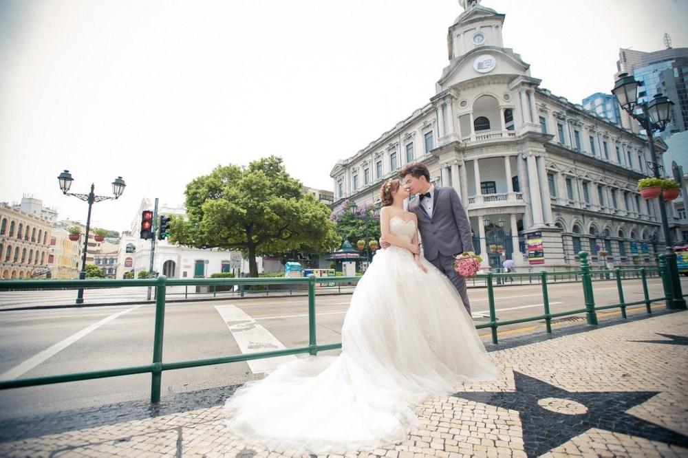 复古氛围的欧洲街景拍出歐風的海外旅行婚纱摄影