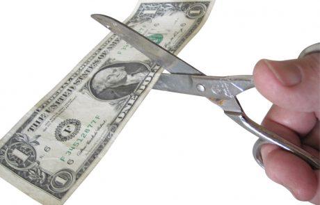 9 הוצאות מיותרות שאנחנו משלמים עליהן מתוך הרגל