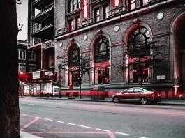 Menschenleere Straße mithilfe von ND-Filtern