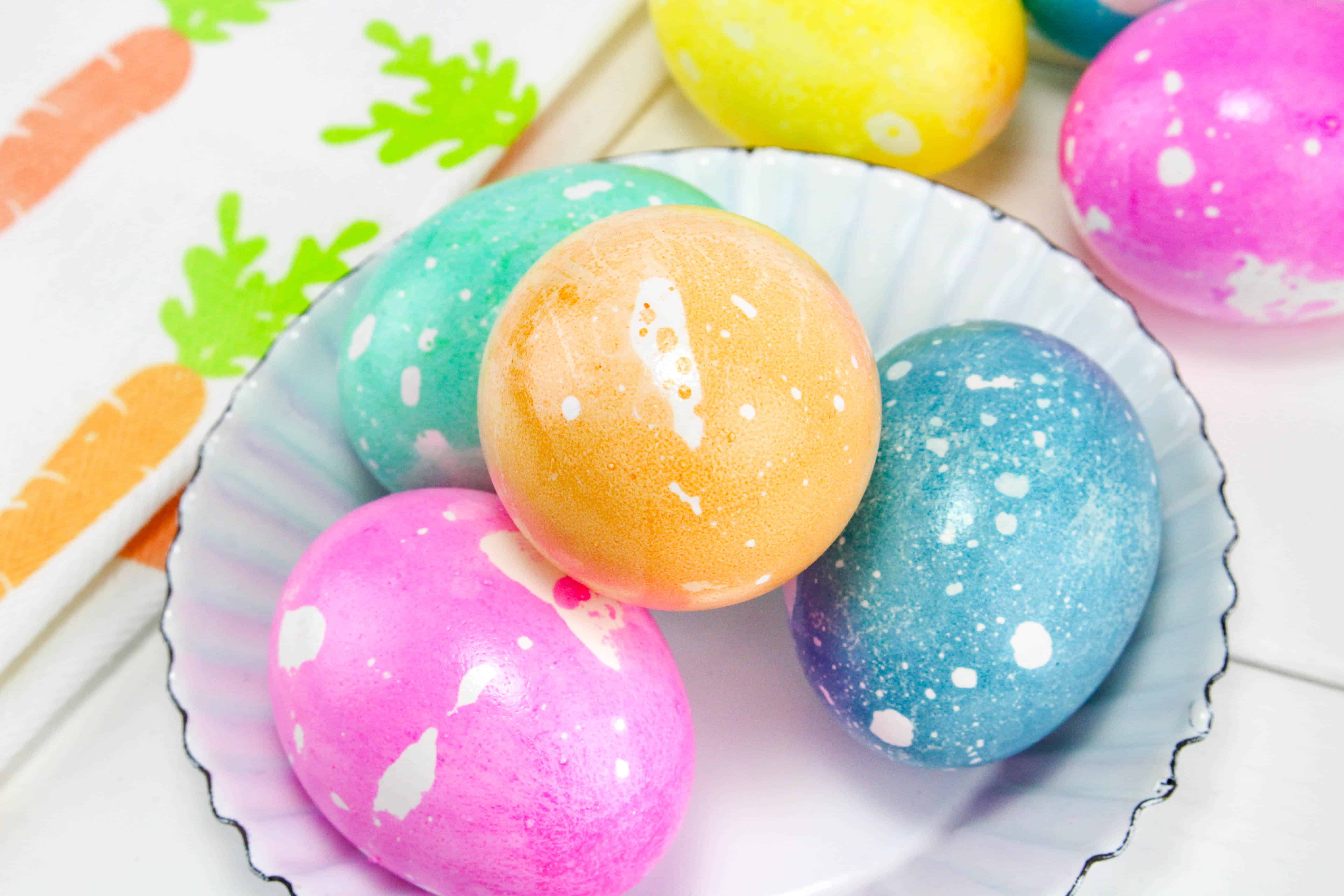 Oil and Water Dyed Easter Eggs