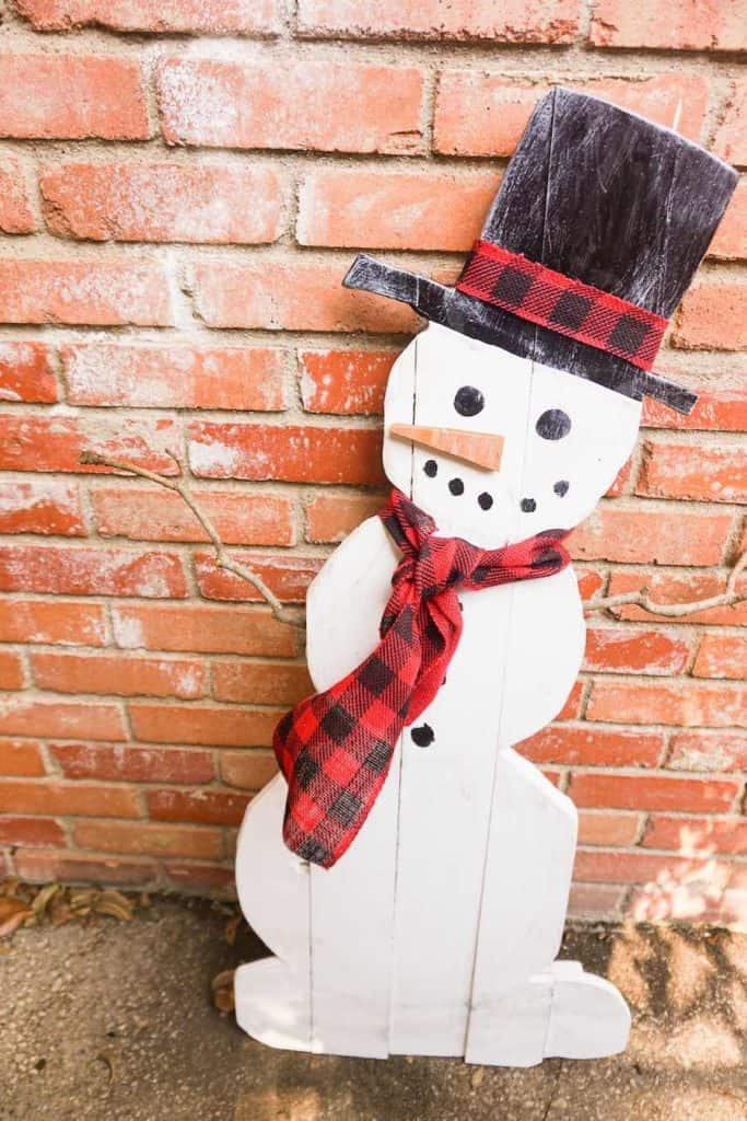 DIY Wood Snowman