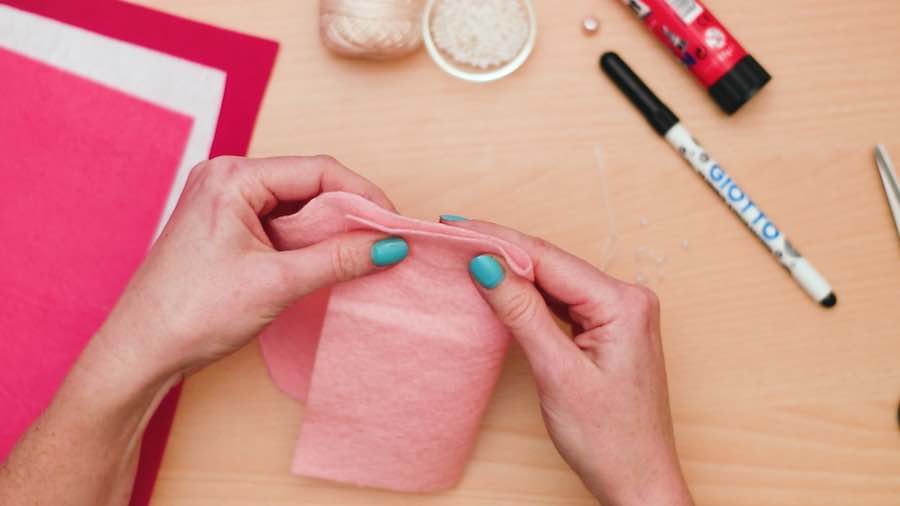 Sew the edges of the felt