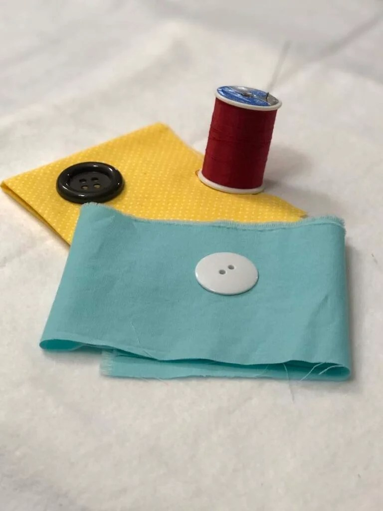 Materials for 4 hole button sewing