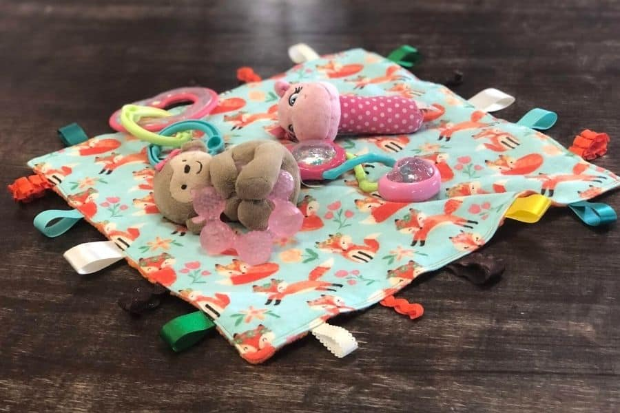 DIY Baby Tag Blanket