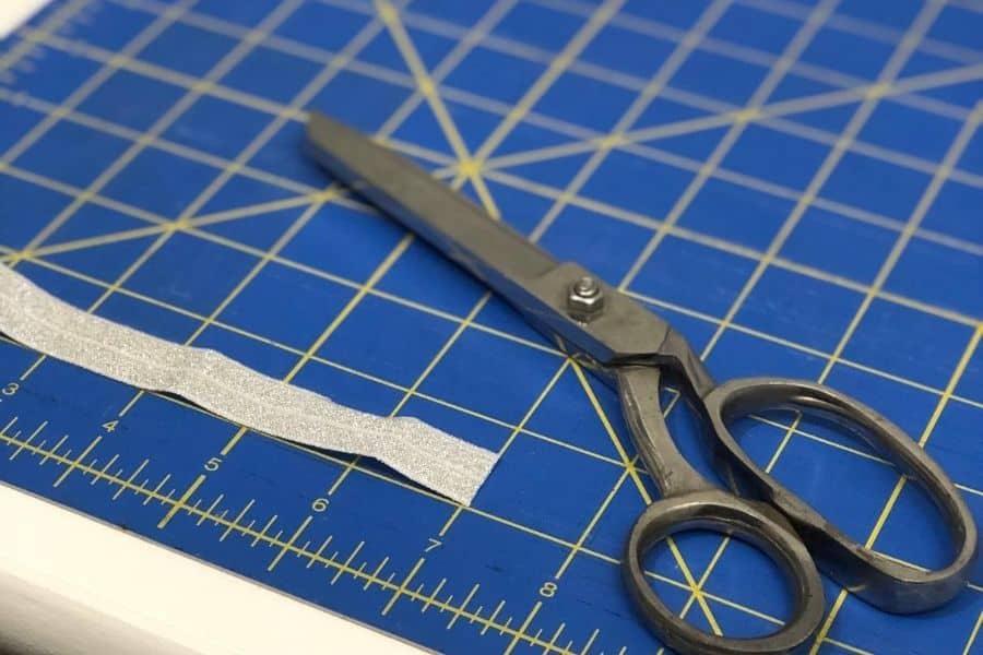 cutting elastic