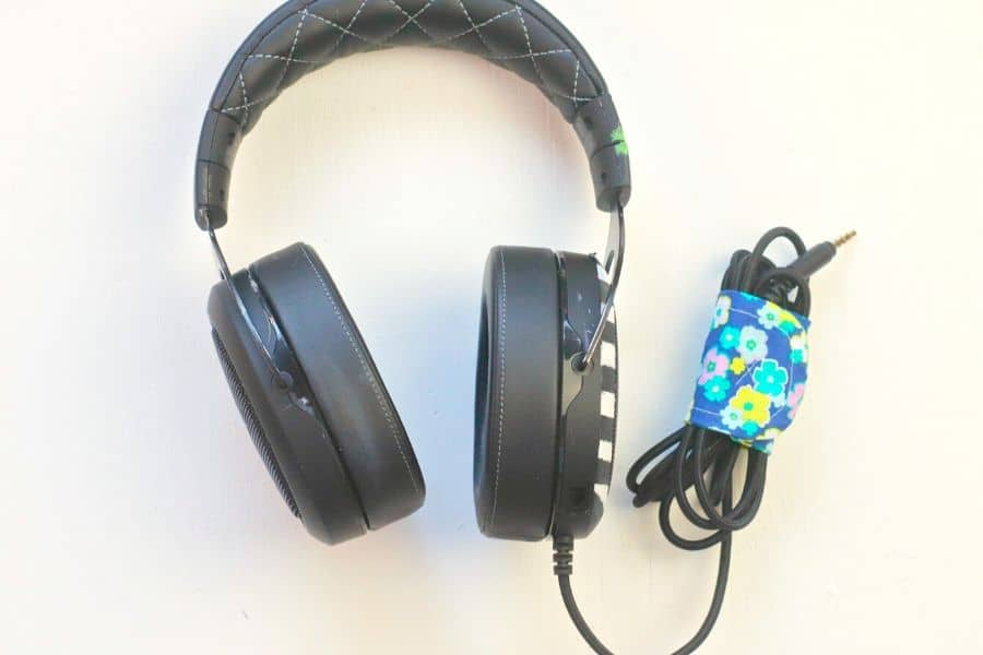 diy cord keeper for headphones