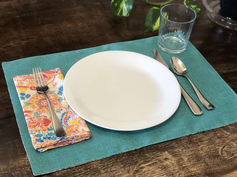 DIY Reversible Placemats Sewing Tutorial