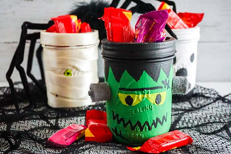 Halloween Mason Jars Crafts