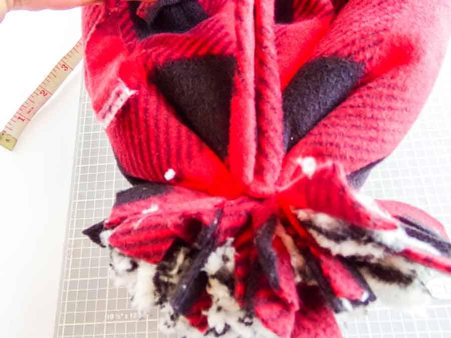 No-Sew Fleece Hat pom poms