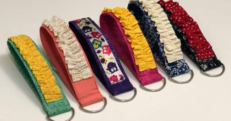 How To Make A Wristlet Keychain With Fabric