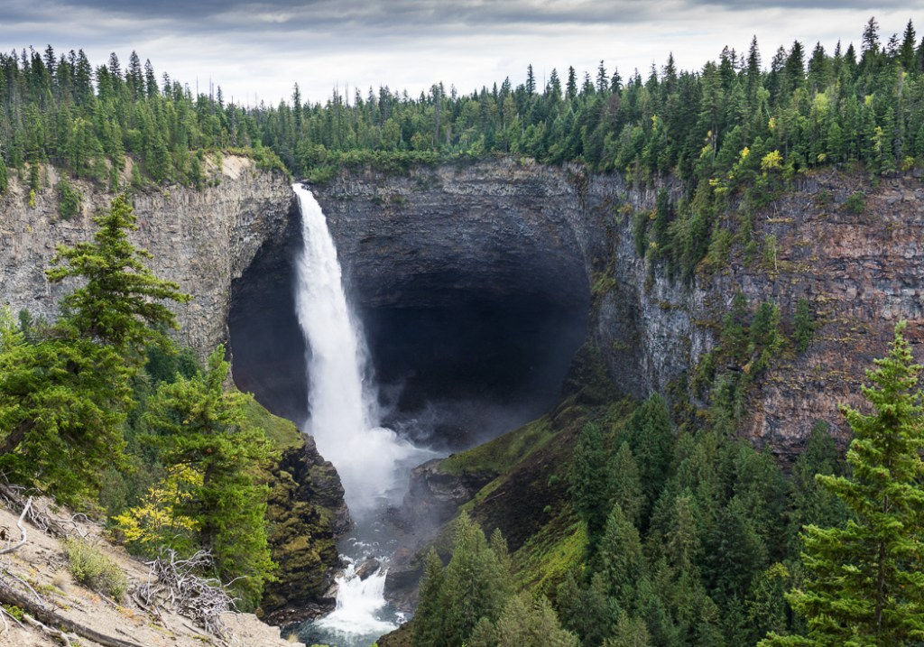 Helmcken Falls in Wells Gray Provincial Park, BC, Canada