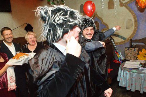 Сценарий костюмированного поздравления в юбилейном