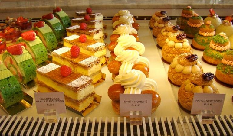 Popular Places to eat desserts in Paris