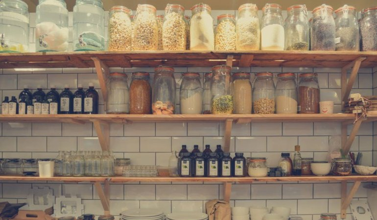 How to Inexpensively Organize Your Pantry