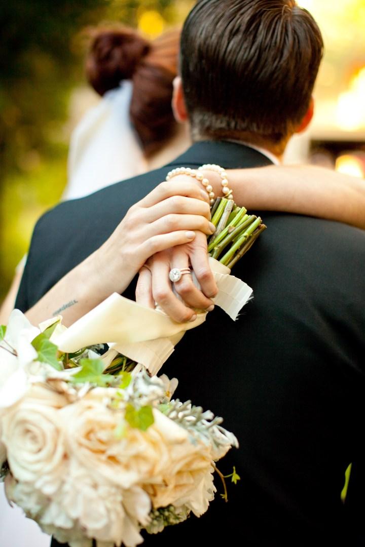 Detail of Eva Amurri Martino's white and blush bridal bouquet