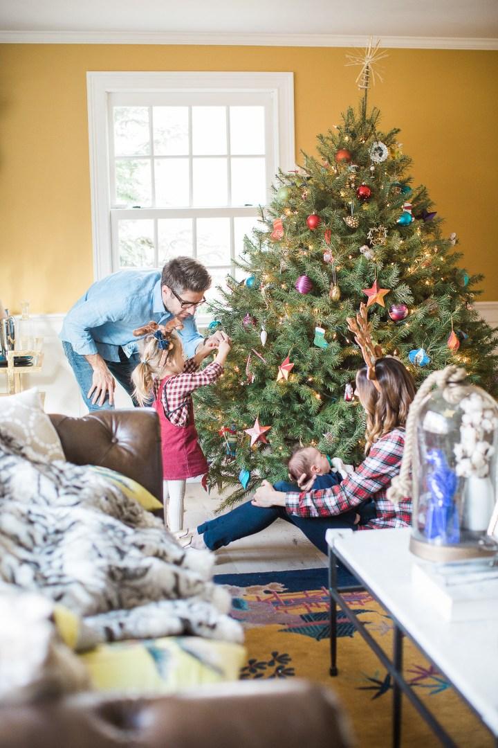 The Martino family decorates their Christmas tree 2016