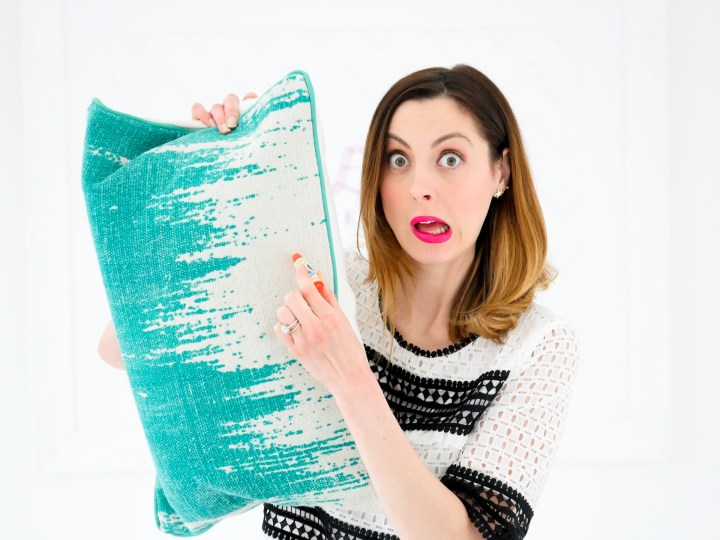Eva Amurri Martino shows how the color wonder markers won't make marks on the furniture