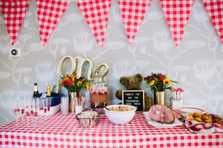 Eva Amurri Martino gives a peek in to the decor for her son Major's first birthday party with a Teddy Bear picnic theme