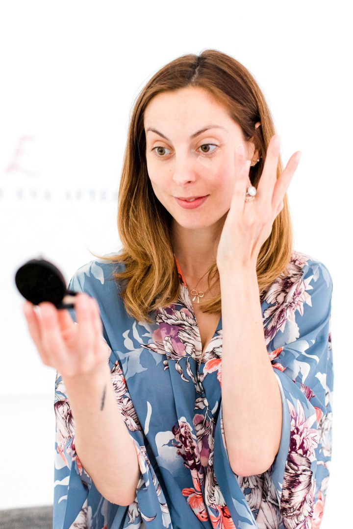 Eva Amurri Martino applies concealer as part of her photo shoot makeup tutorial