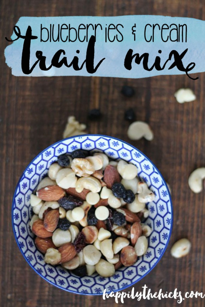 This Blueberries and Cream Trail Mix is perfect for road trips or a fun afternoon snack! | read more at happilythehicks.com