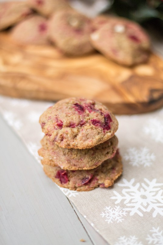 Cranberry Orange Cookies - A Healthier Holiday Recipe | read more at happilythehicks.com