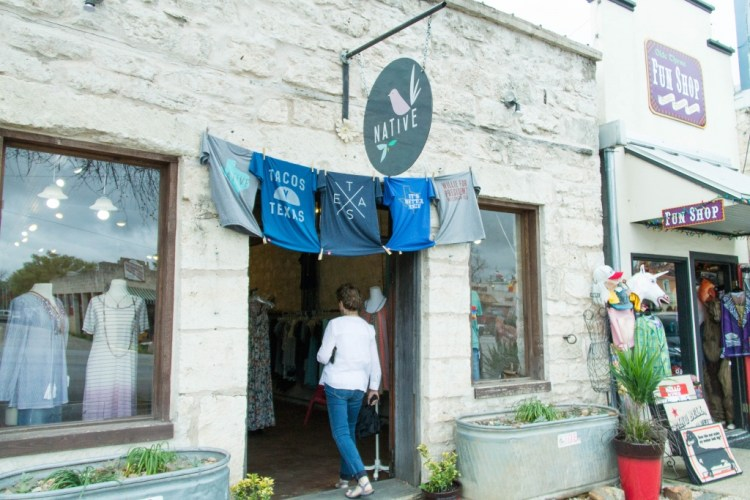 What to do on a trip to Fredericksburg - eats, shops and things to see & do!   read more at happilythehicks.com