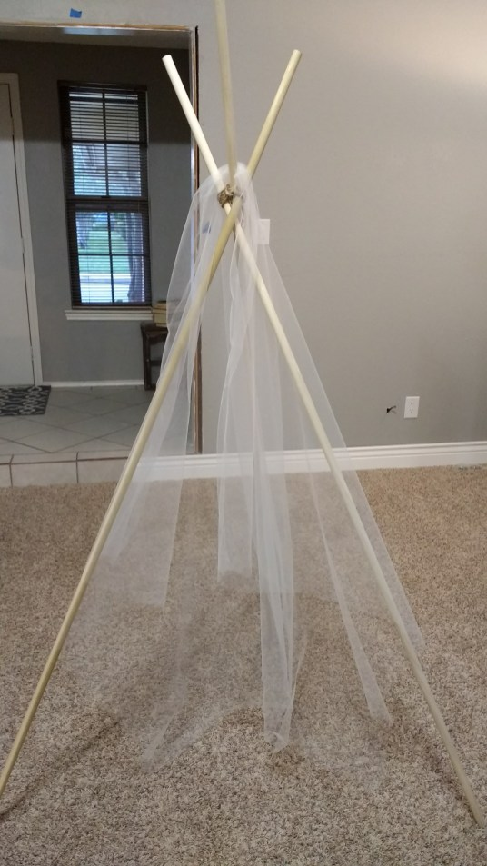 DIY Boho Chic TeePee | read more at happilythehicks.com
