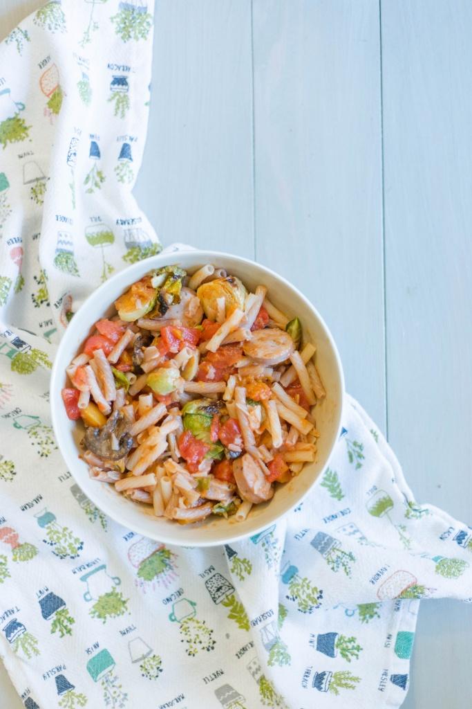 Quinoa Pasta Veggie & Sausage bowl- delicious, nutritious and easy to make.   read more at happilythehicks.com