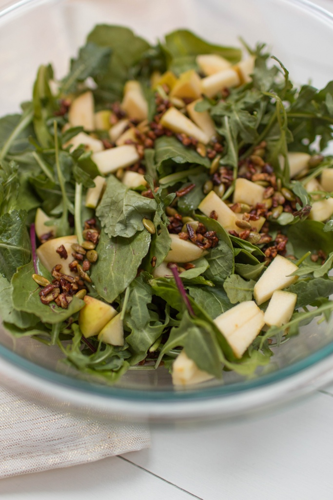 Spinach and Arugula Fall Salad   read more at happilythehicks.com